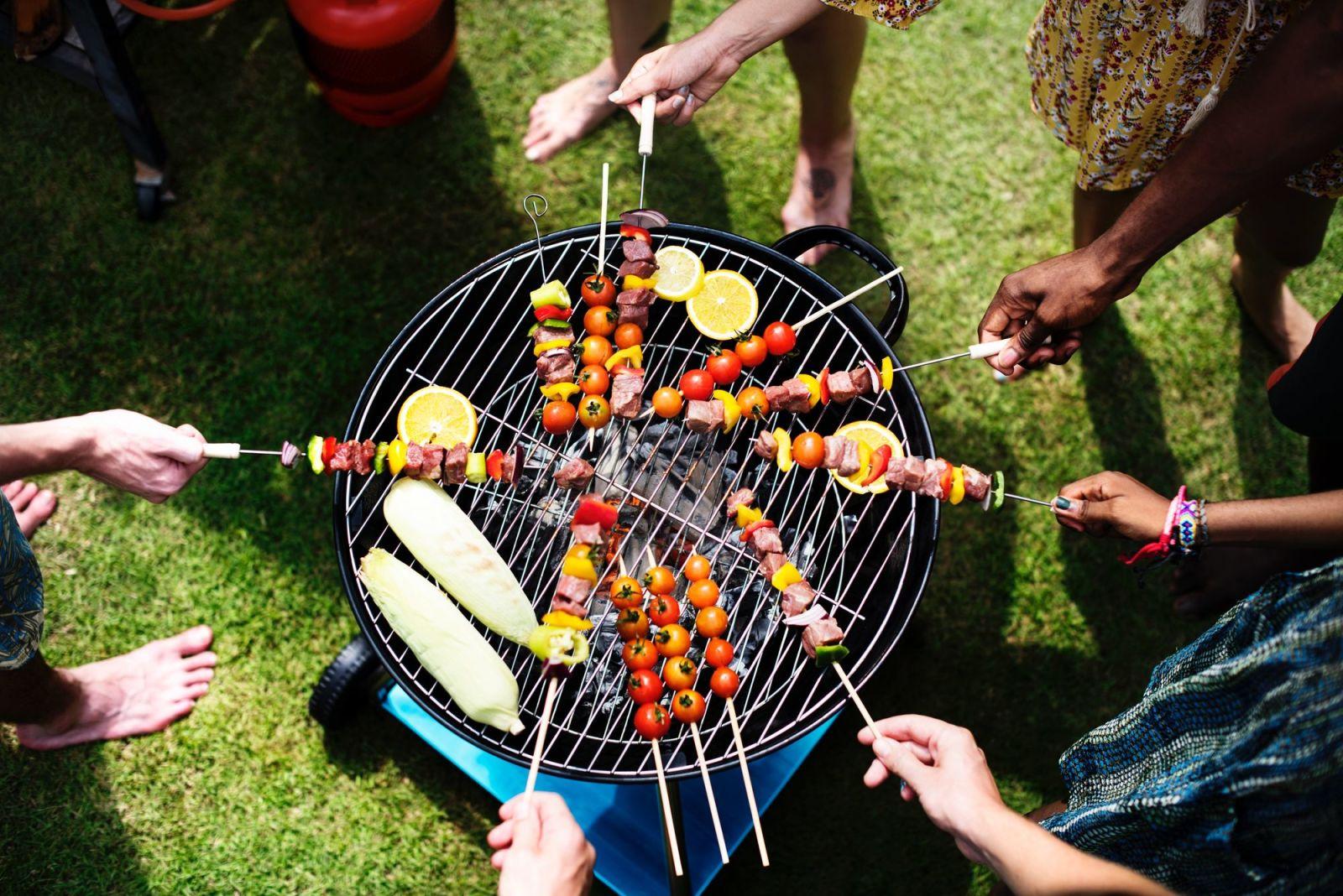 Garden party – velkolepá akce, přátelské posezení nebo koncert jazzové hudby?