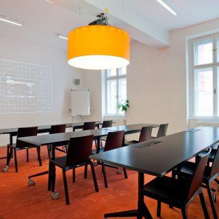 Impact Hub Ostrava - Oranžová konferenční místnost