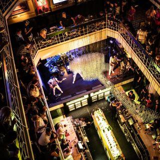 Hard Rock Cafe Praha - -1. patro
