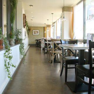 NOLA Restaurant & Café