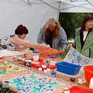 MOBILNÍ KREATIVNÍ VÝTVARNÉ DÍLNY - Malování na hedvábí