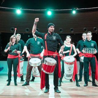 Tokhi & the Groove Army - korporátní bubnování nejen na váš teambuilding - Bubenická show Tokhi &  Groove Army