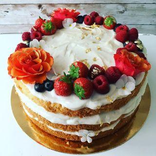 Síma peče sladkosti