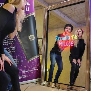 Party mirror