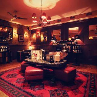 Mánesova Bar and Books