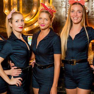 Blondies Bar