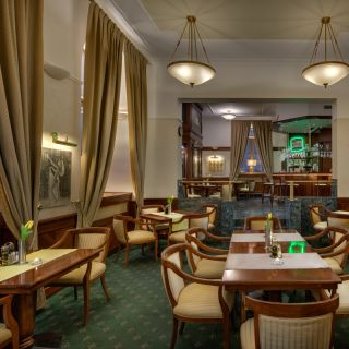 Boutique hotel Seven Days - V-Café Bar & Restaurant