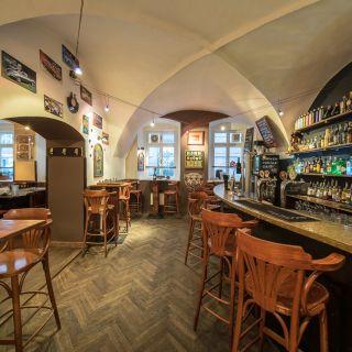 NAPA bar and gallery
