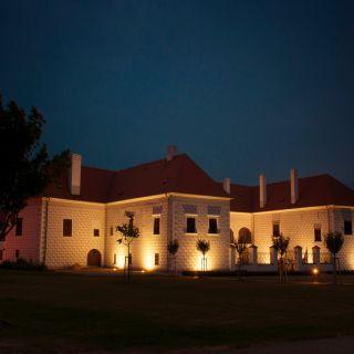 Hotel Zámek Valeč - Rytířský sál