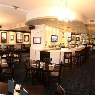 Hard Rock Cafe Praha - 1.patro Lounge