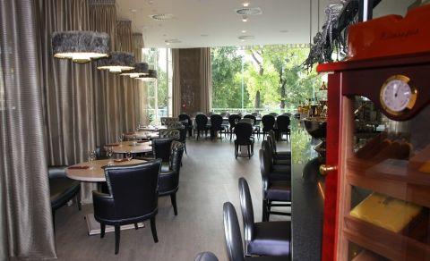 Lounge Bar Mánes