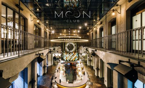 Moon Club & Lounge