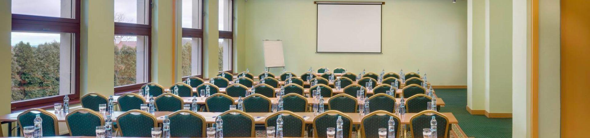 Zámek Loučeň - Kongresový sál Hotelu Maxmilian