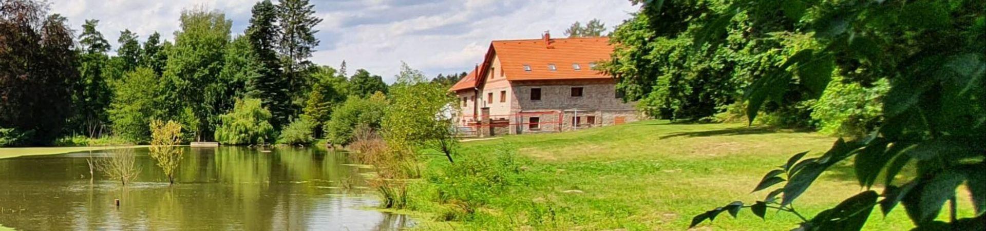 Usedlost Nouzov - vzdělávací a relaxační centrum