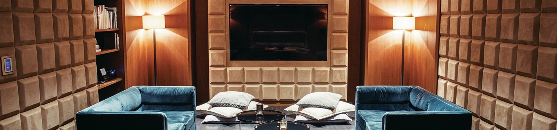 The Emblem Hotel - The M Lounge